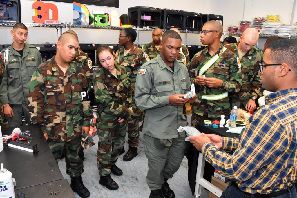 Vocational Orientation Shows Students 3d Printing In